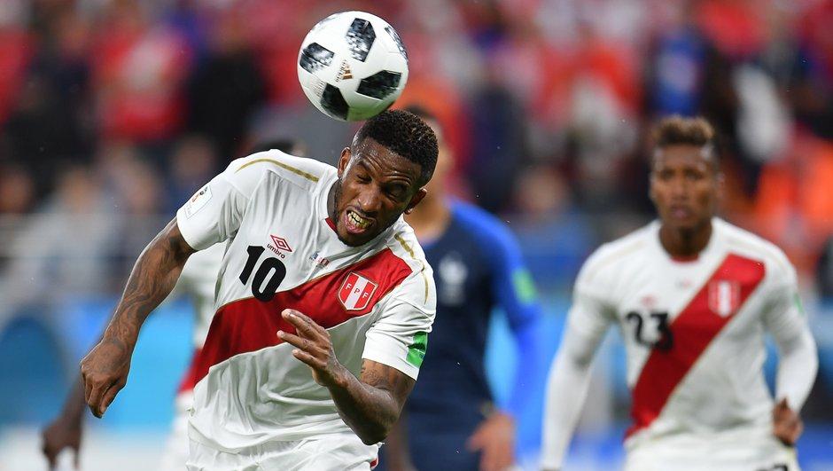 Touché à la tête, la star péruvienne Jefferson Farfan ne jouera pas face à l'Australie