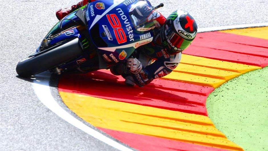 MotoGP - Aragon 2015: Marquez chute, Lorenzo en profite!
