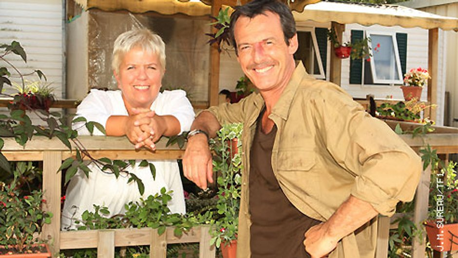 Jean-Luc Reichmann en tournage avec Mimie Mathy