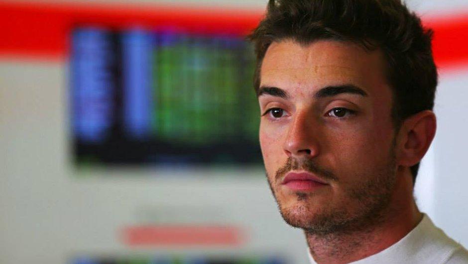 """F1 : Jules Bianchi """"continue à se battre"""""""