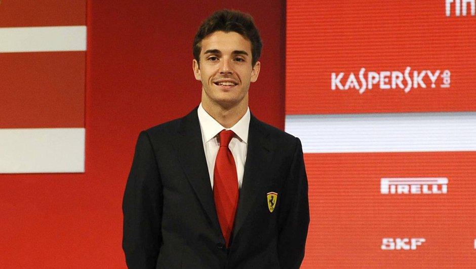 """F1 : Jules Bianchi est """"dans une situation désespérée"""" mais """"il n'abandonnera pas"""" selon son père"""