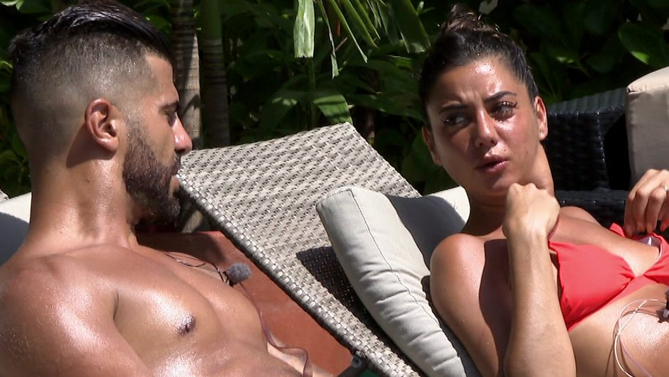 La Villa 5 - Julie et Thomas se rapprochent devant Antoine (Episode 7)