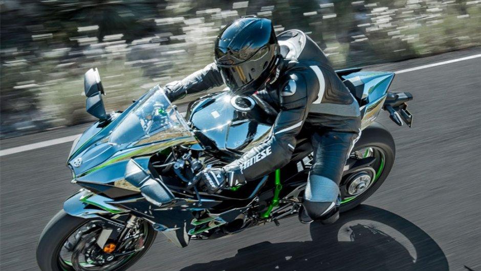 Kawasaki Ninja H2 2015 : 200 chevaux mais toujours aussi sportive !