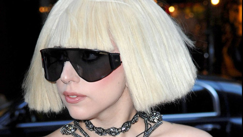 Lady Gaga s'autocensure face à la reine d'Angleterre