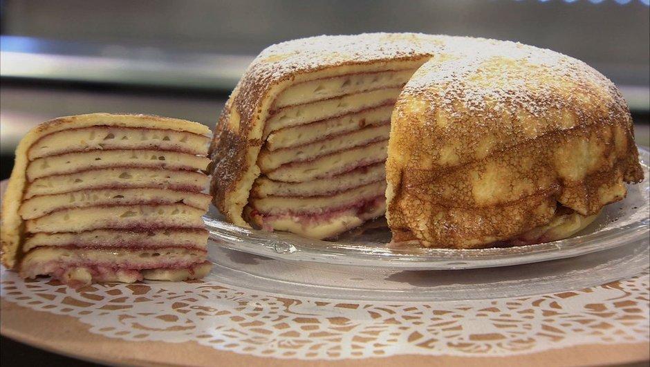 Gâteau de crêpes à la confiture