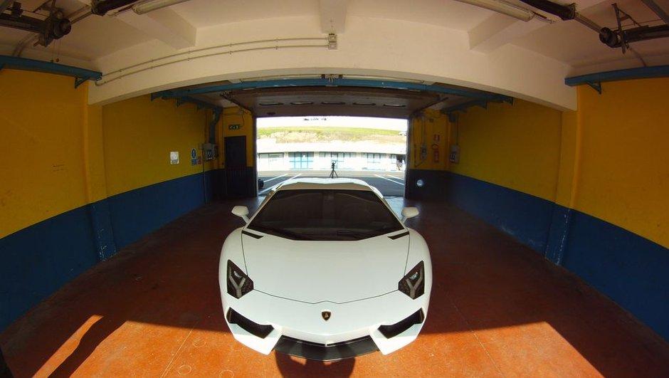 lamborghini-aventador-roadster-salon-de-geneve-2012-6738982