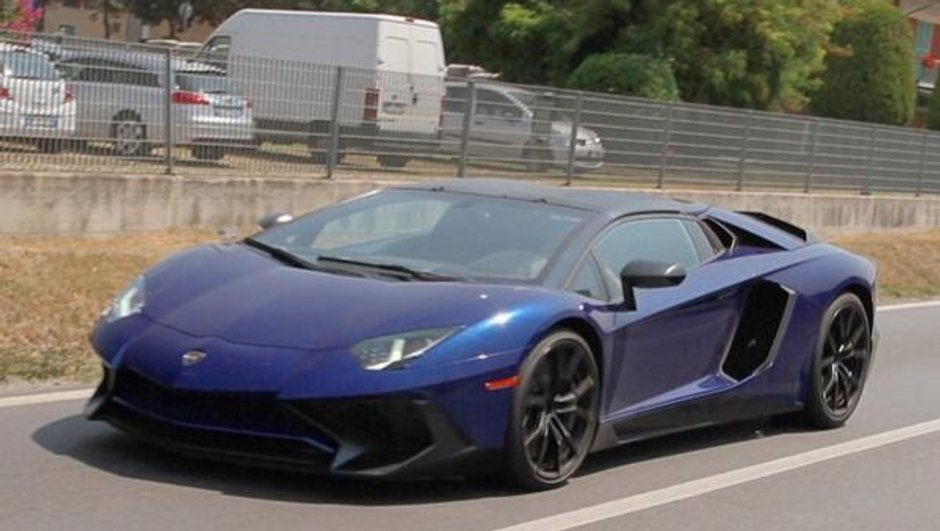 lamborghini-aventador-lp750-4-sv-roadster-nouvelles-photos-scoop-4284043