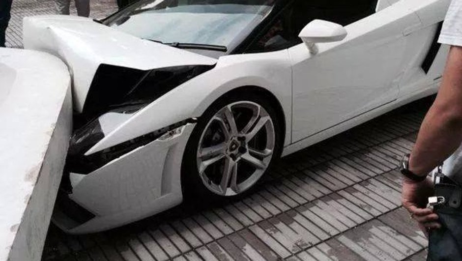 Insolite : un voiturier détruit une Lamborghini Gallardo contre un mur