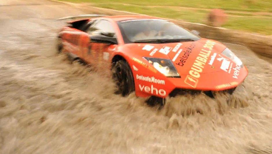 Vidéo : la Lamborghini Murciélago SV se la joue 4x4