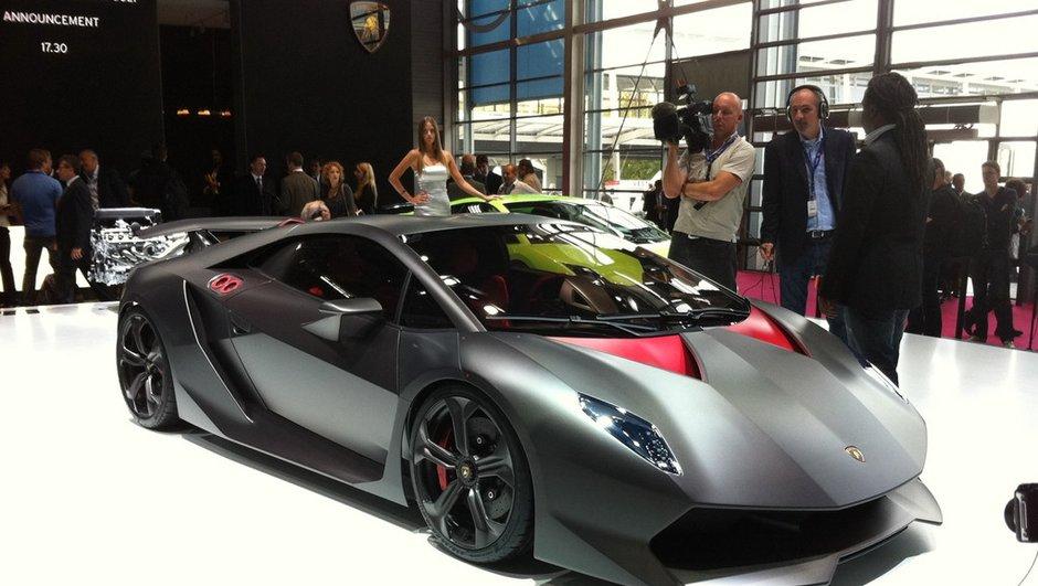 Mondial de l'Auto 2010 : L'incroyable Lamborghini Sesto Elemento !