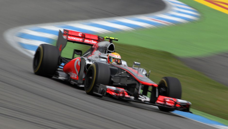 f1-essais-gp-de-hongrie-2012-hamilton-button-loin-devant-7659578