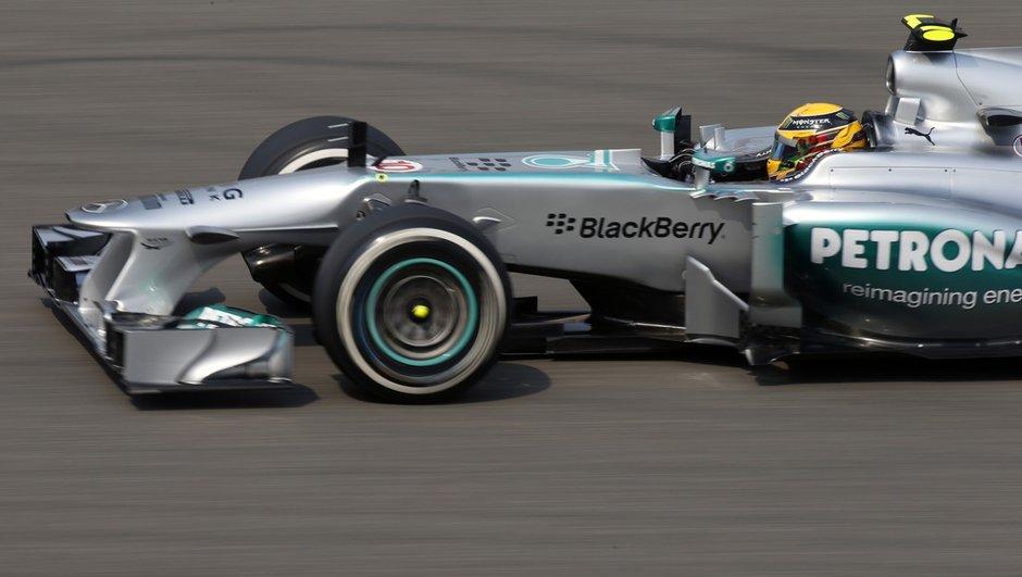 F1 - Qualifications GP Chine: Hamilton décroche la pole