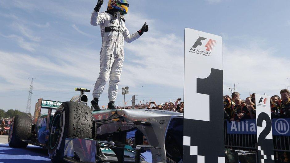 """F1 - Hamilton : """"une de mes plus importantes victoires"""""""