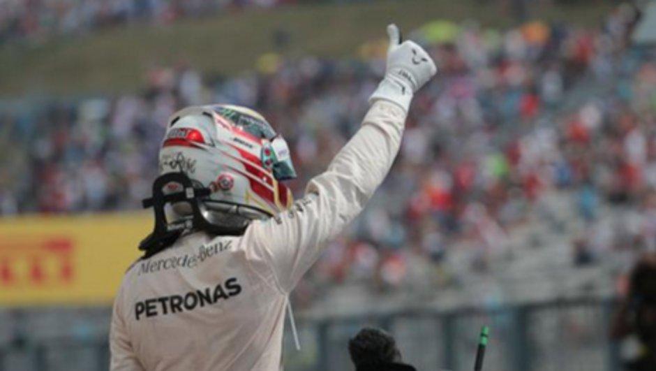 """F1 - GP de Hongrie 2015: Hamilton """"incroyablement heureux"""" après sa pole"""