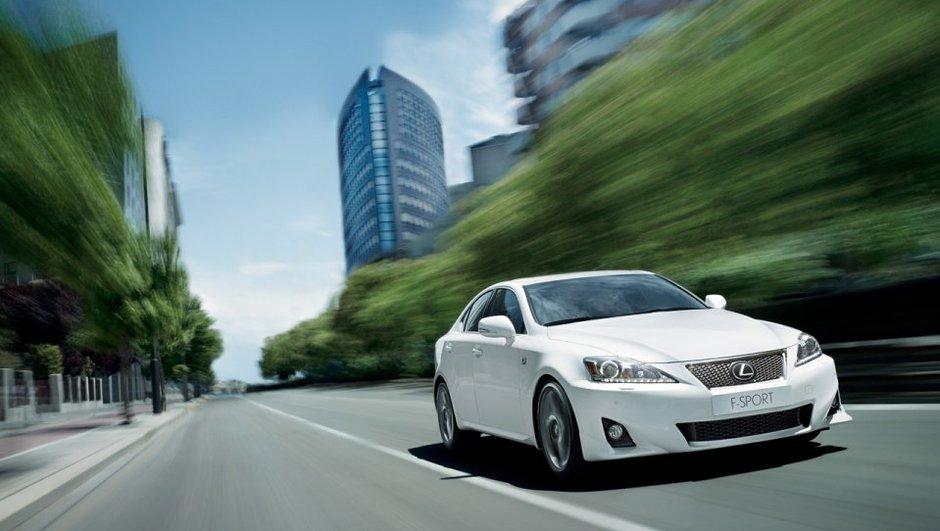 mondial-de-l-auto-2010-nouvelle-lexus-is-restylee-8708158