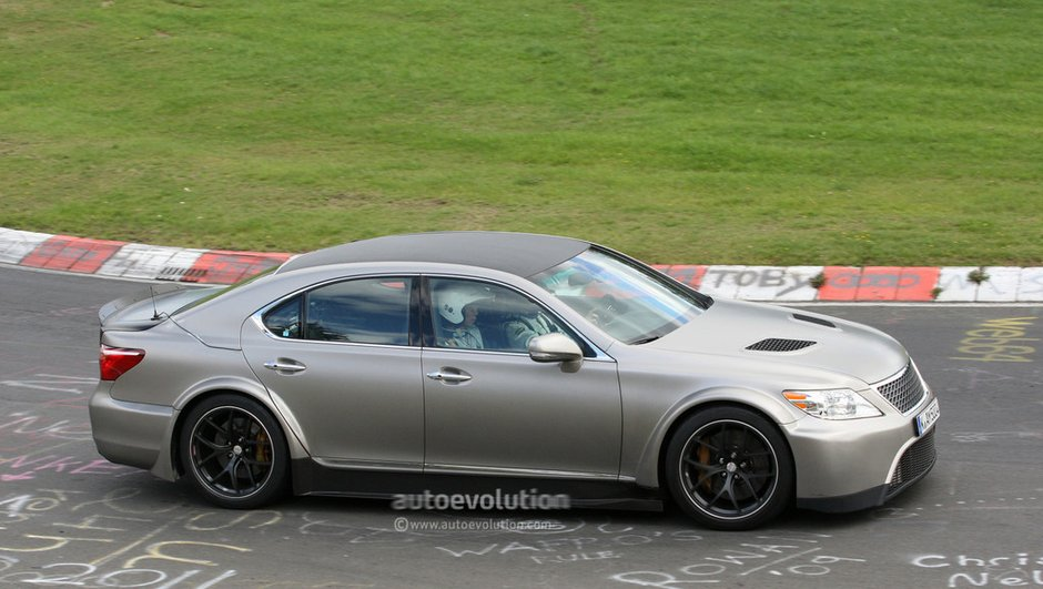 Scoop : Une super Lexus LS à moteur V10 650 chevaux ?