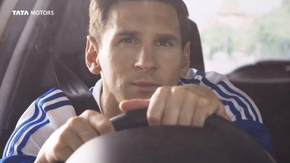 Lionel Messi présente la Tiago de Tata Motors