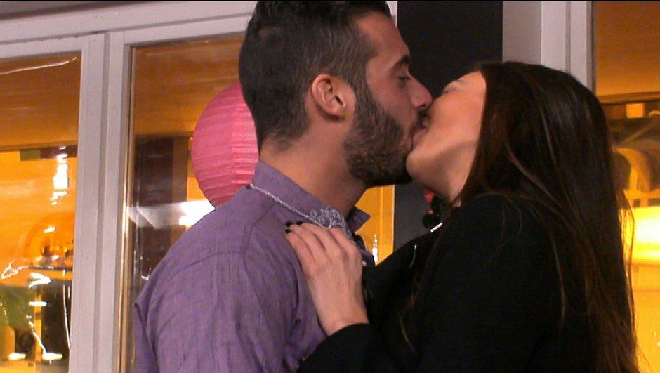 un-nouveau-baiser-entre-loic-julie-ali-embrasse-nathalie-1637916