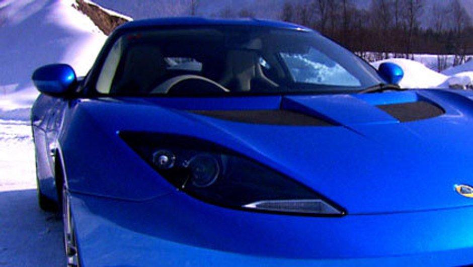 lotus-apprend-a-conduire-neige-7963639