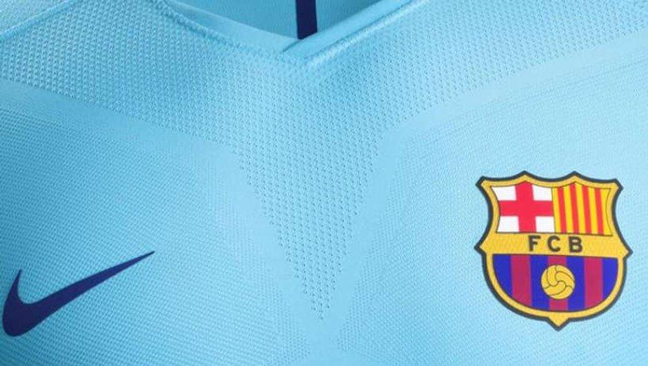 FC Barcelone : Découvrez le nouveau maillot extérieur du Club !