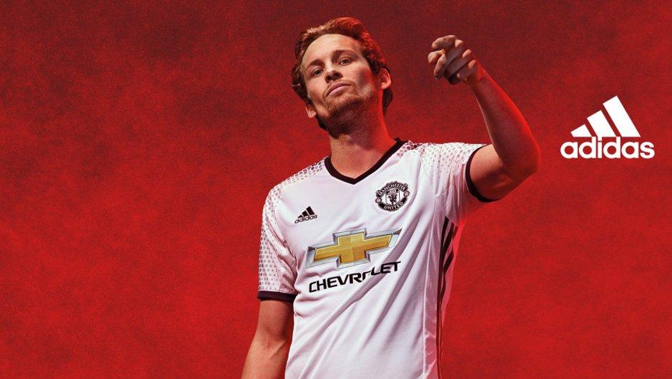 Manchester United : voici le maillot third de la saison 2016/2017