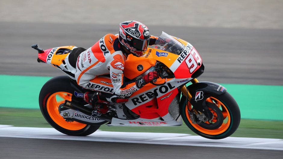 motogp-essais-1-valence-2014-marquez-prend-deja-devants-4431349
