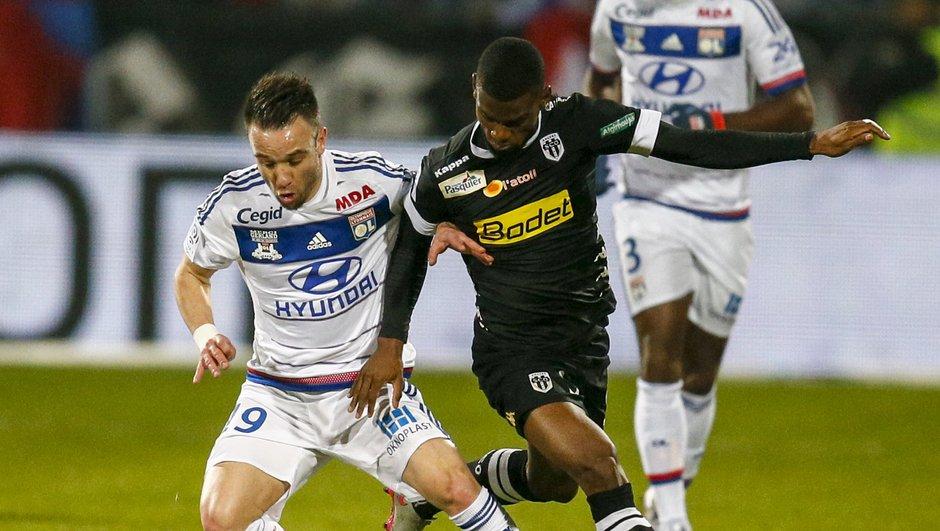 Ligue 1 : Lyon tombe à domicile contre Lille et s'éloigne du podium