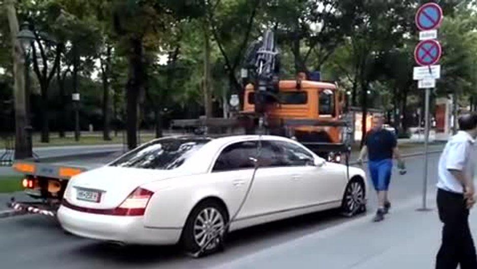 VIDEO Insolite: Une Maybach 62 S trop lourde pour la fourrière!
