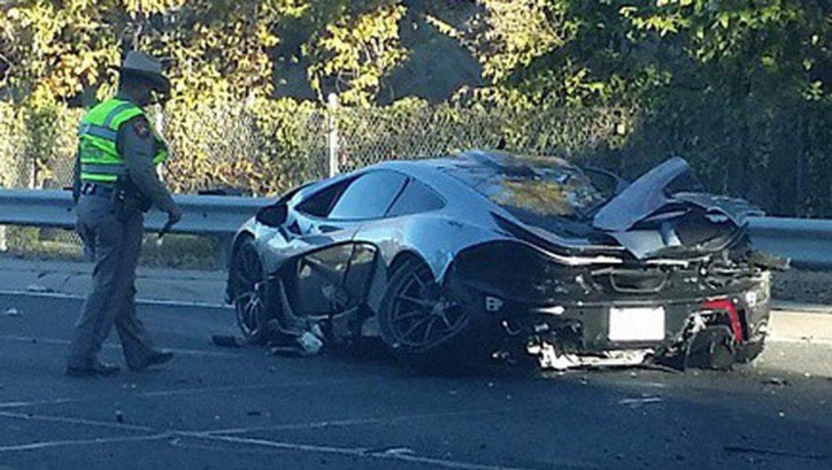 Insolite : une McLaren P1 complètement détruite à Dallas