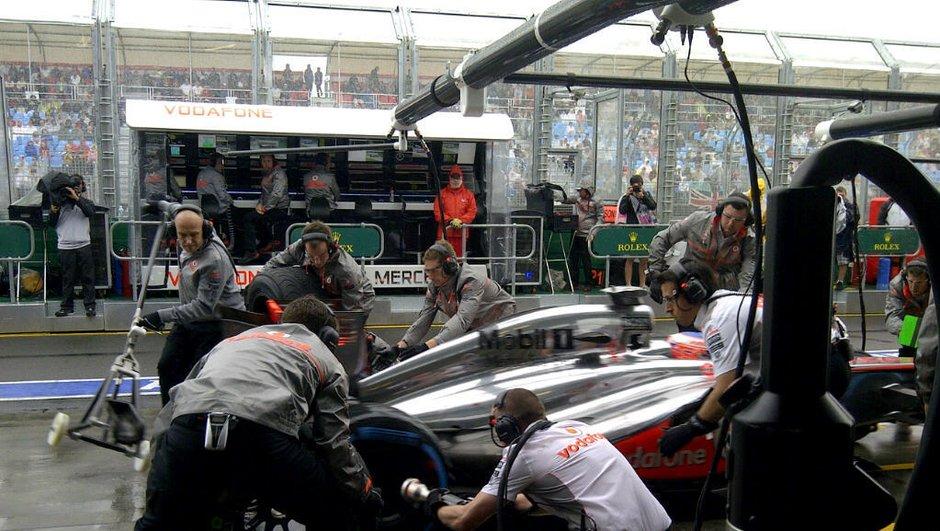 F1 - Qualifications GP d'Australie : report à dimanche matin, pluie oblige