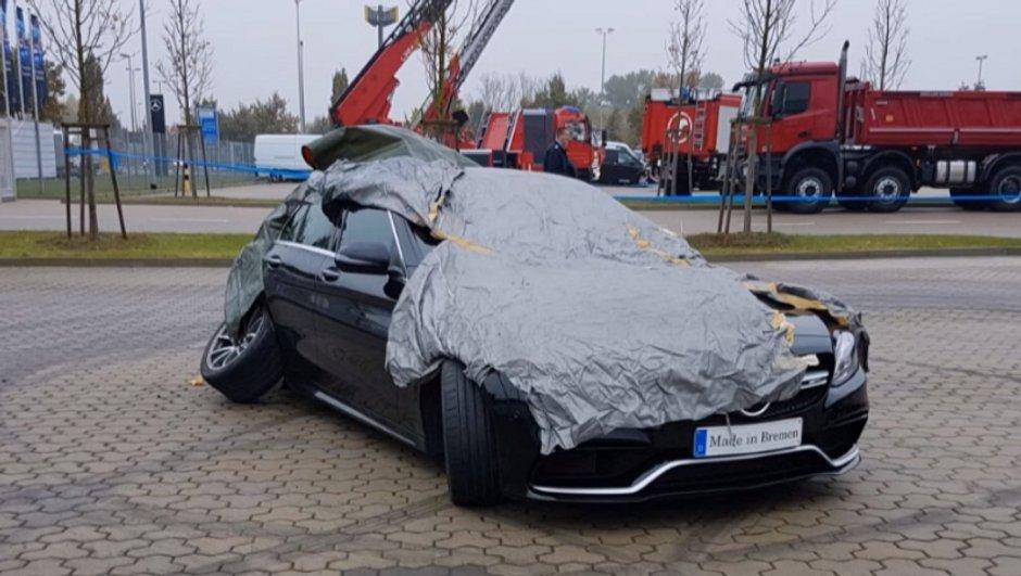 Vidéo Insolite : Il drifte avec une Mercedes-AMG C63 S...et la ruine !