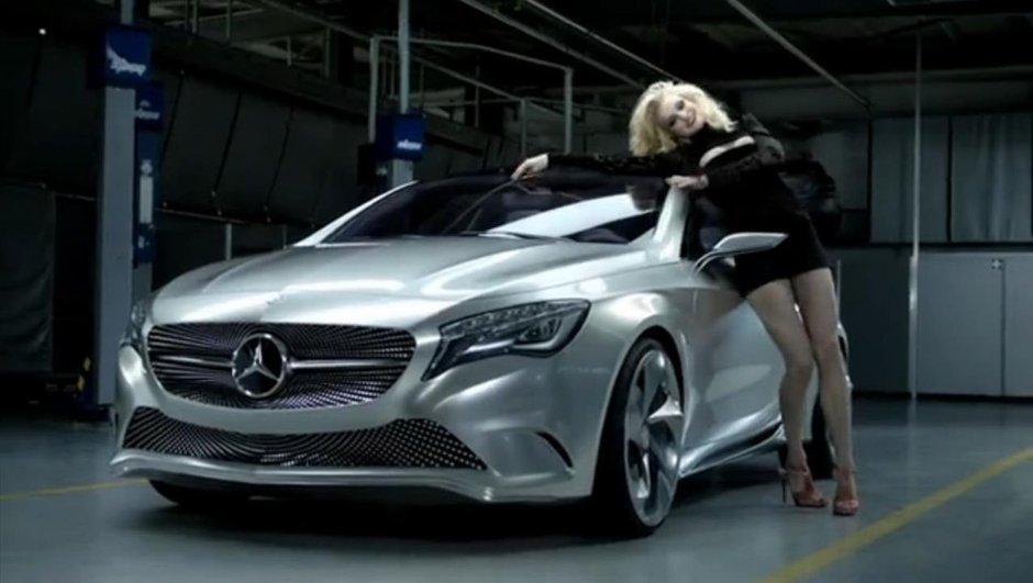 Vidéo : La future Mercedes Classe A séduit Jessica Stam