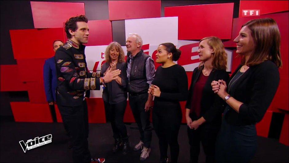 Mika fait venir la famille d'une candidate sur le plateau !