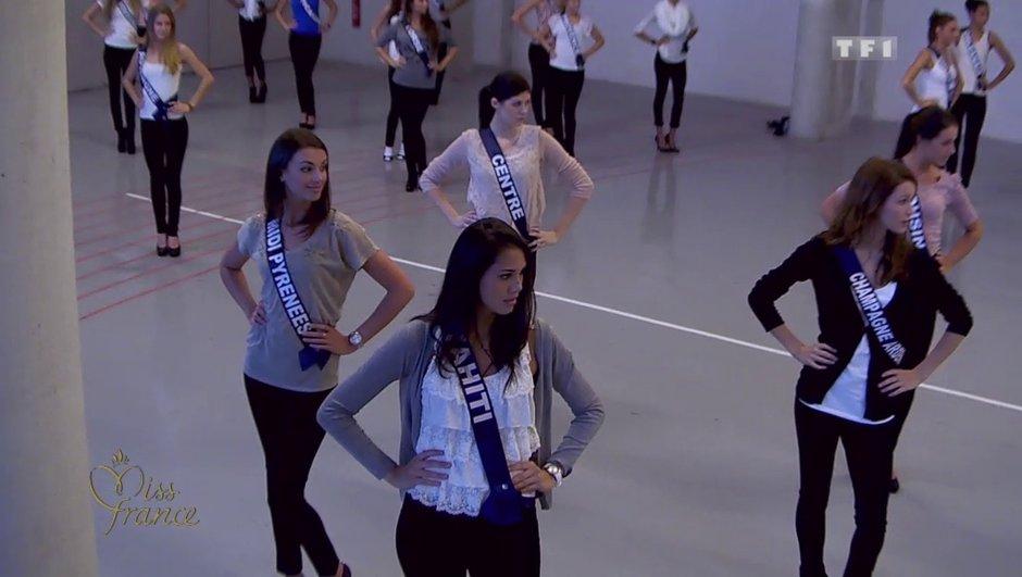 Miss France 2014 : les candidates répètent pour le défilé en maillot