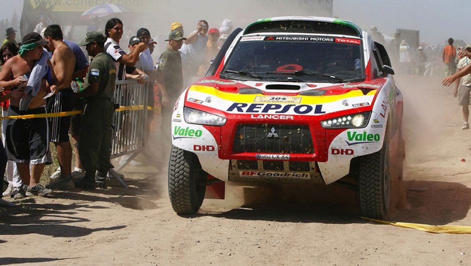 dakar-mitsubishi-se-retire-definitivement-3745582