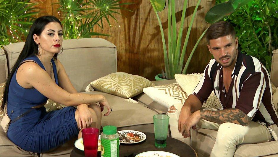La Villa 5 - Crise de larmes pour Molie, Julie se venge (Episode 45)