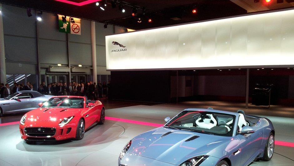 Mondial de l'Auto 2012 : la Jaguar F-Type rugit officiellement