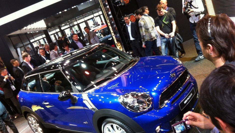 Mondial de l'Auto 2012 Live : Mini présente Paceman et célèbre Stephane Peterhansel