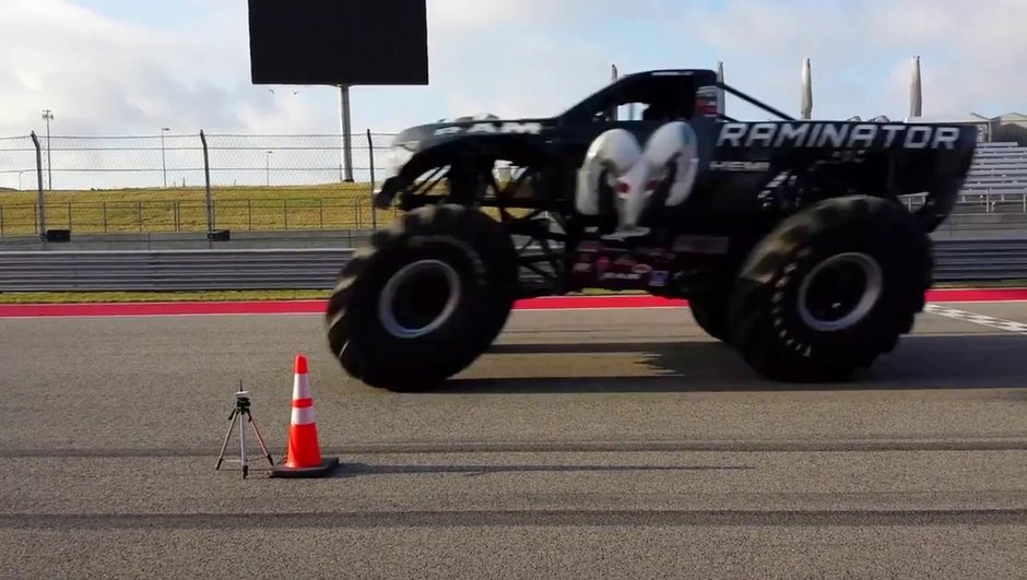 Insolite : Ils battent le record du monde de vitesse en Monster Truck !