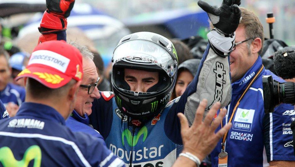 Sports Mécaniques : Lorenzo et Sainz Jr. à la fête, Rossi évite le pire