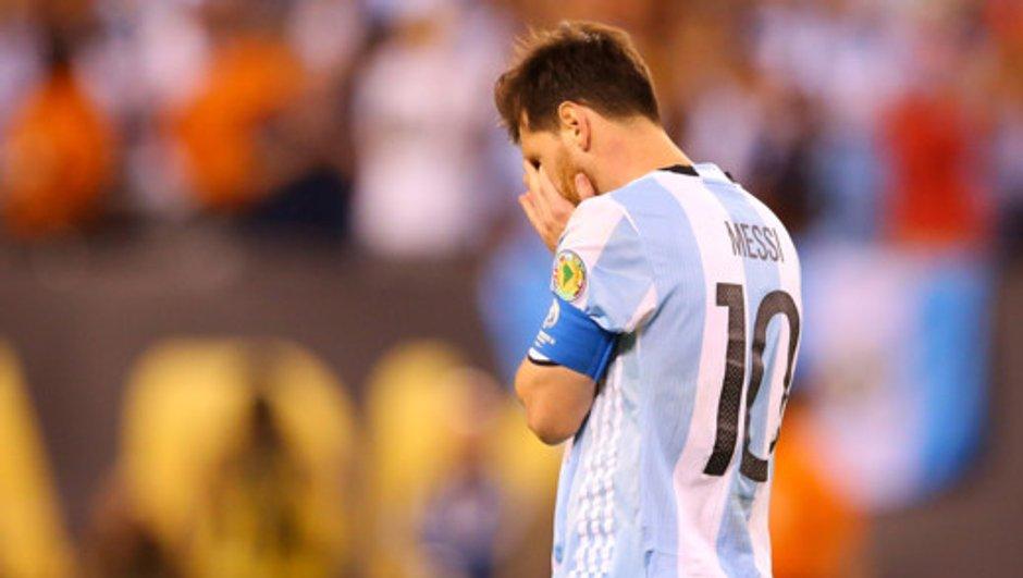 VIDEO – Les larmes de Messi avant sa retraite internationale