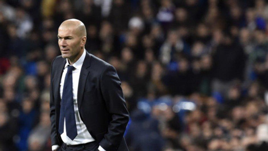 Real Madrid : Zinédine Zidane sera-t-il toujours l'entraîneur la saison prochaine ?