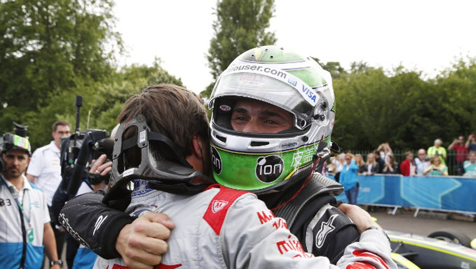 formule-e-londres-2015-piquet-jr-sacre-champion-fil-7418895