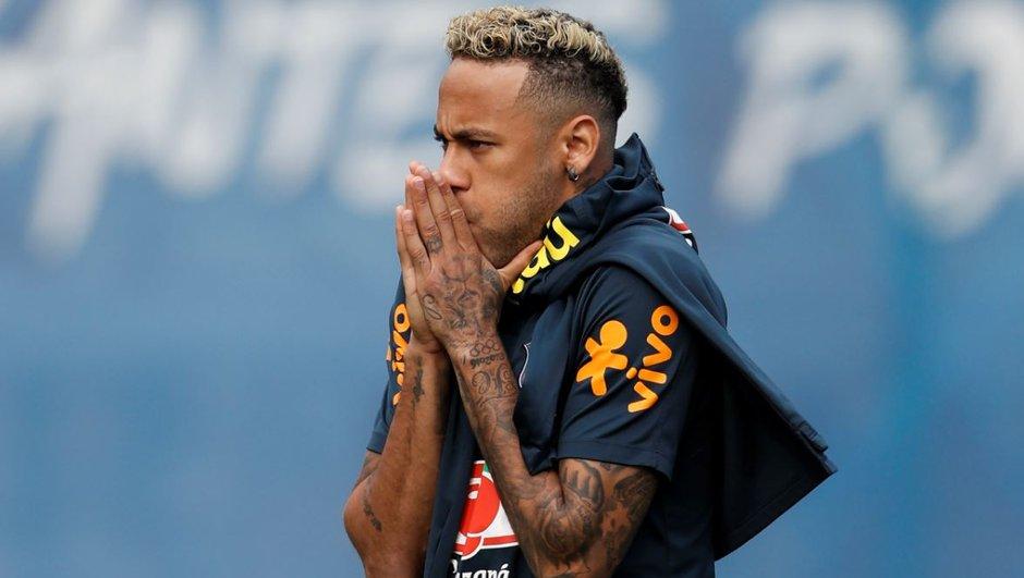 """Finie la """"coupe spaghettis"""", Neymar arbore déjà une nouvelle coupe de cheveux"""