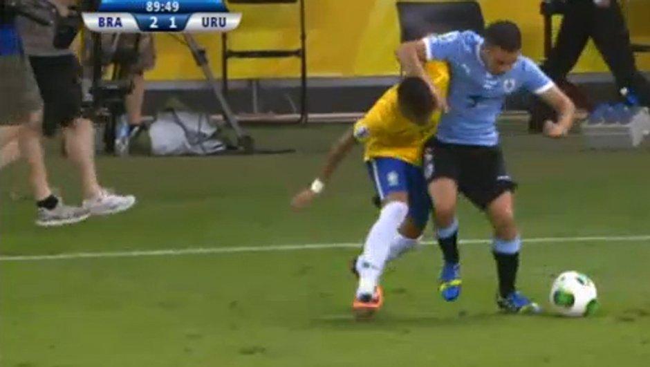 VIDEO Insolite : Neymar n'a pas peur du ridicule !