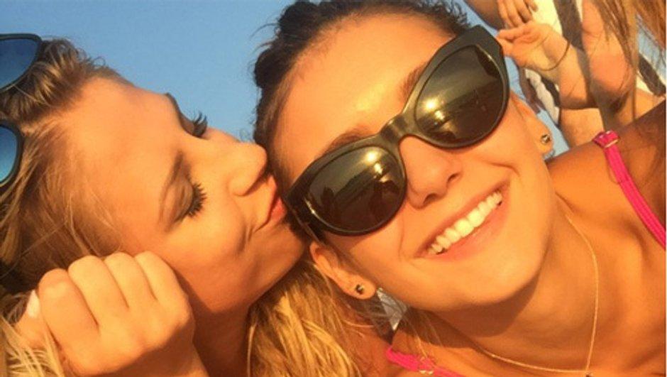 Nina Dobrev s'offre des vacances entre amis pour oublier son ex!