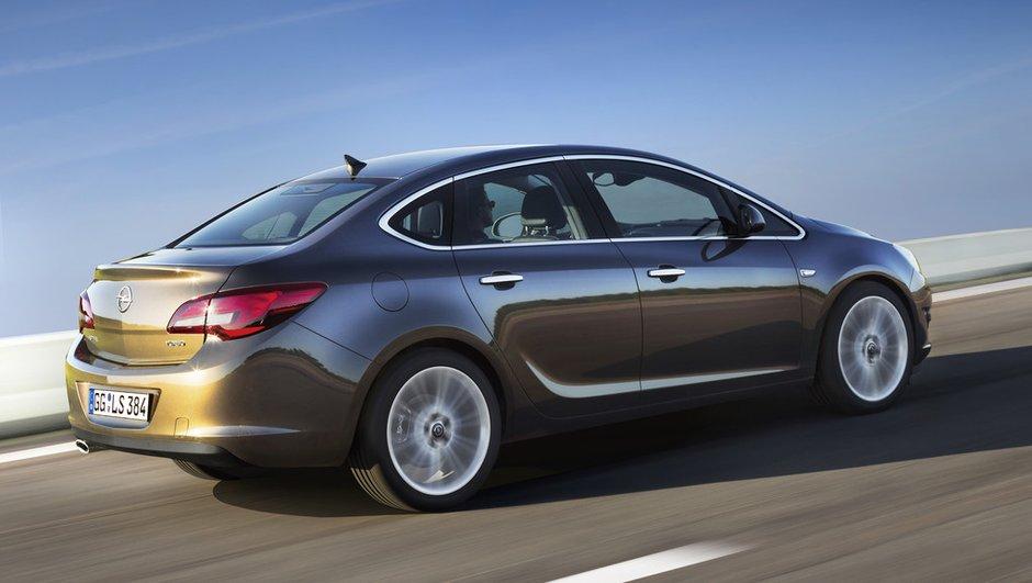 opel-astra-sedan-2012-france-9545614