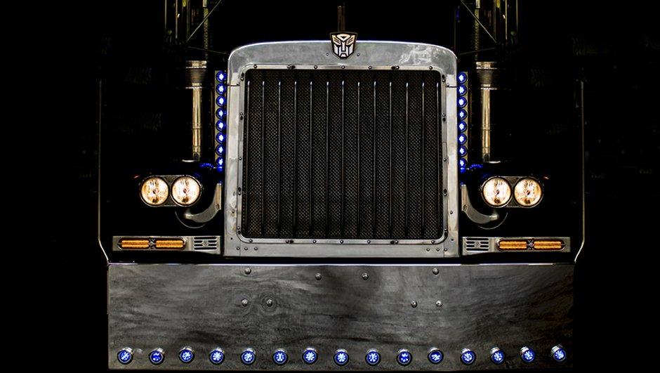 optimus-prime-peterbilt-379-de-transformers-a-vendre-7995802