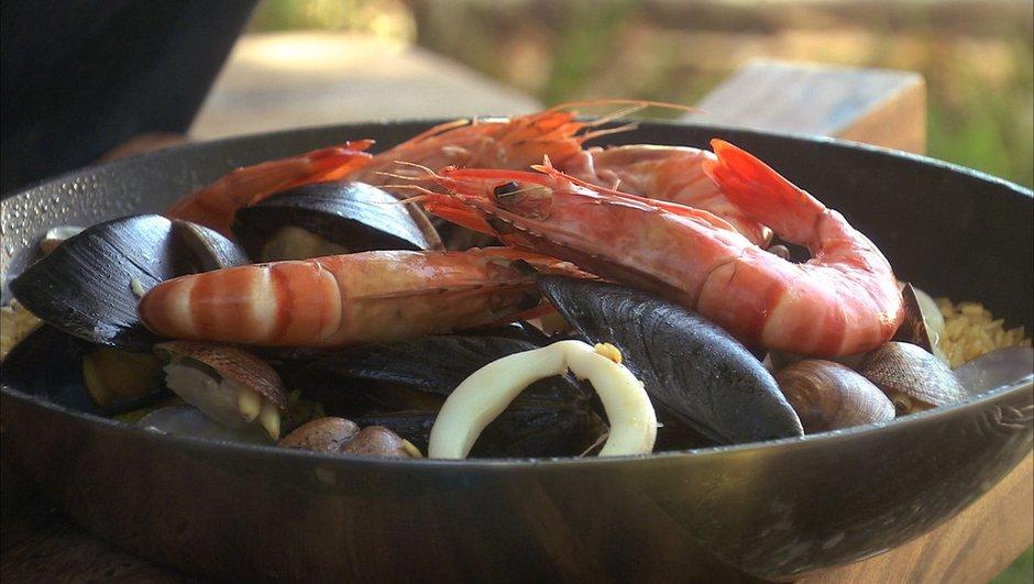 paella-aux-fruits-de-mer-9878080