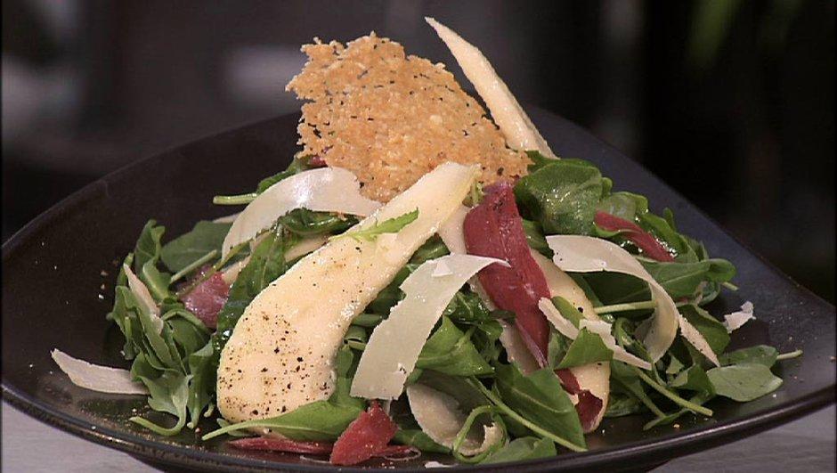 Salade de magret fumé, poires et parmesan